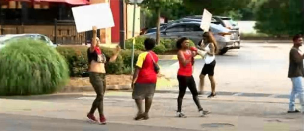 Νεκρός από αστυνομικά πυρά στην Ατλάντα (βίντεο)