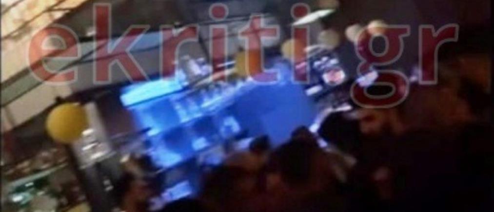 """Κορονοϊός: Το """"γλέντησαν"""" λίγο πριν το lockdown στο Ηράκλειο (εικόνες)"""