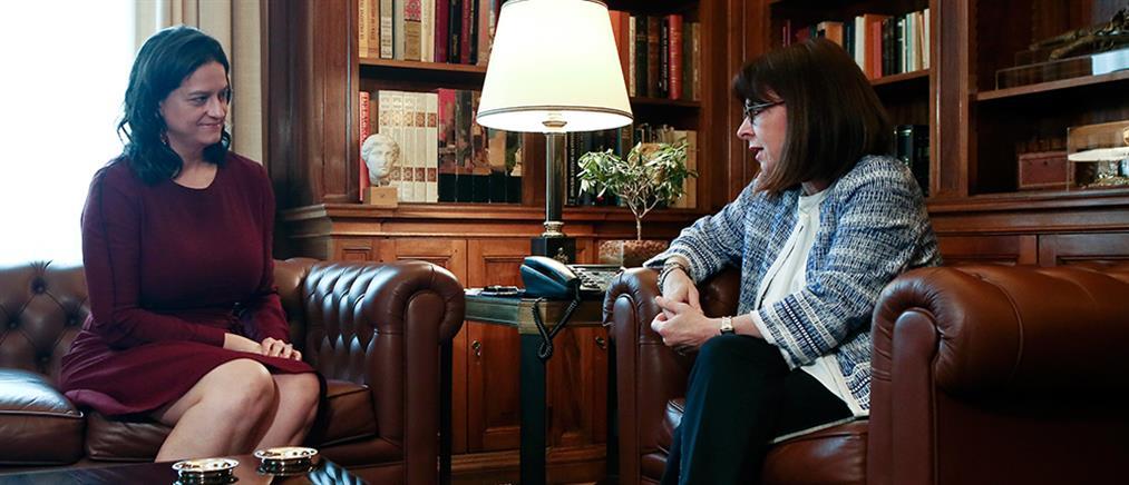 Σακελλαροπούλου σε Κεραμέως: Ήταν πολύ κρίσιμο να ξεκινήσουν τα σχολεία
