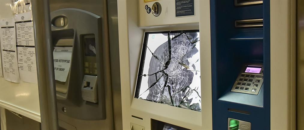 """Δεκάδες συλλήψεις για την επίθεση στον σταθμό του μετρό """"Ακρόπολη"""""""