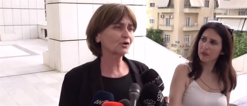 Ξέσπασε σε κλάματα η μητέρα της Ελένης Τοπαλούδη (βίντεο)