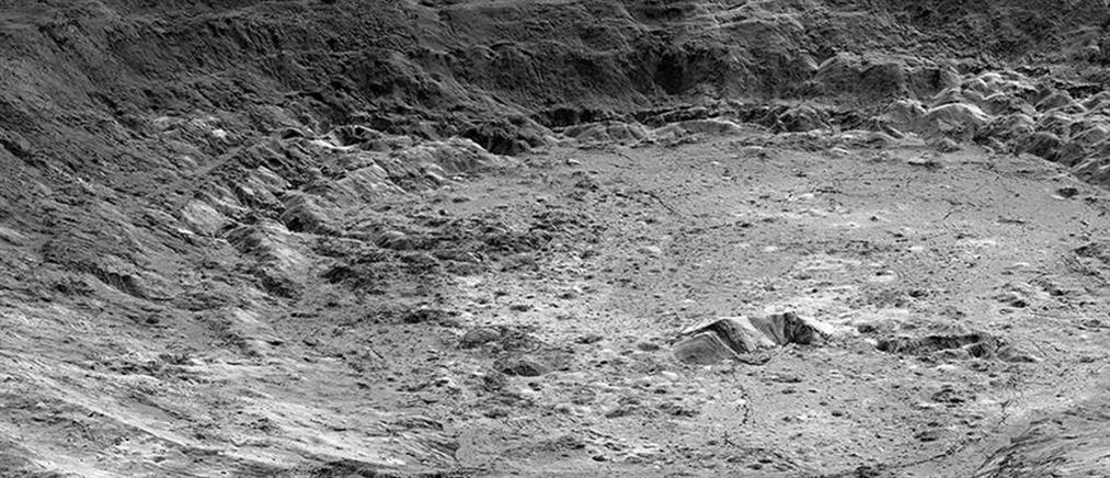"""Σελήνη: Κινέζοι βρήκαν παράξενη ουσία σαν """"ζελέ"""""""