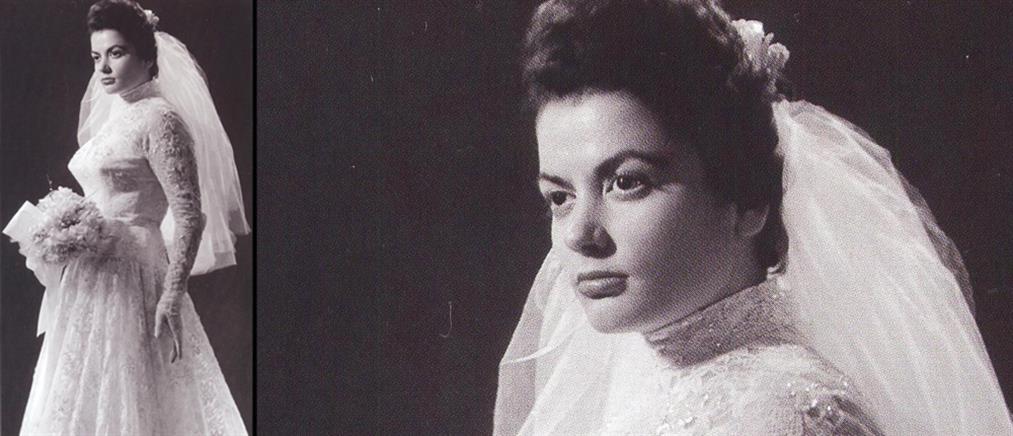 Ζωζώ Σαπουντζάκη: Σπάνια φωτογραφία από τον πρώτο της γάμο (βίντεο)