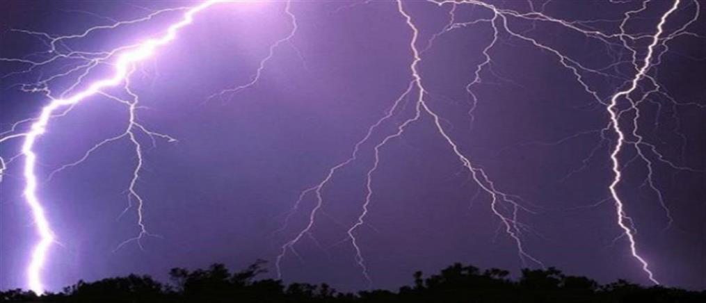 """Καιρός: έρχονται ισχυρές καταιγίδες και """"βουτιά"""" της θερμοκρασίας"""