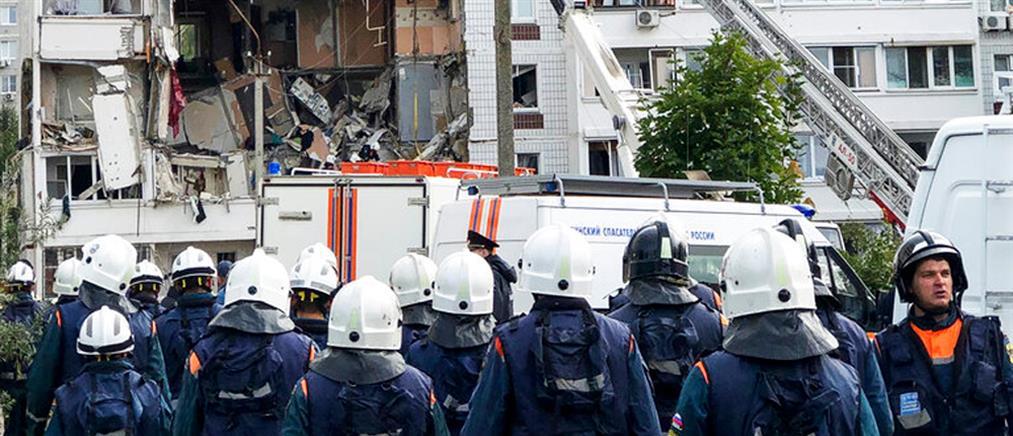 Ρωσία: Φονική έκρηξη σε πολυκατοικία