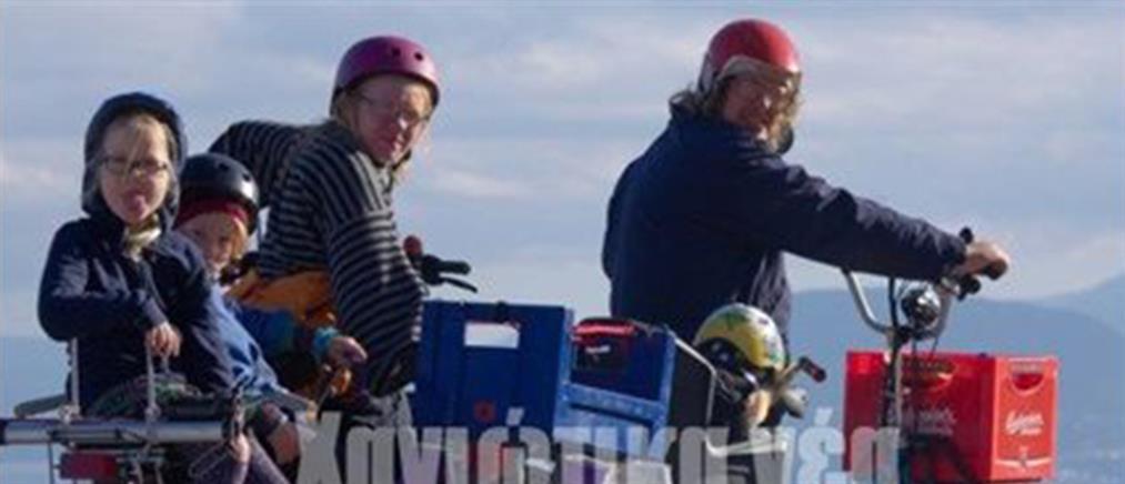 Πενταμελής οικογένεια Φινλανδών έφτασε στα Χανιά με ποδήλατο (φωτό)