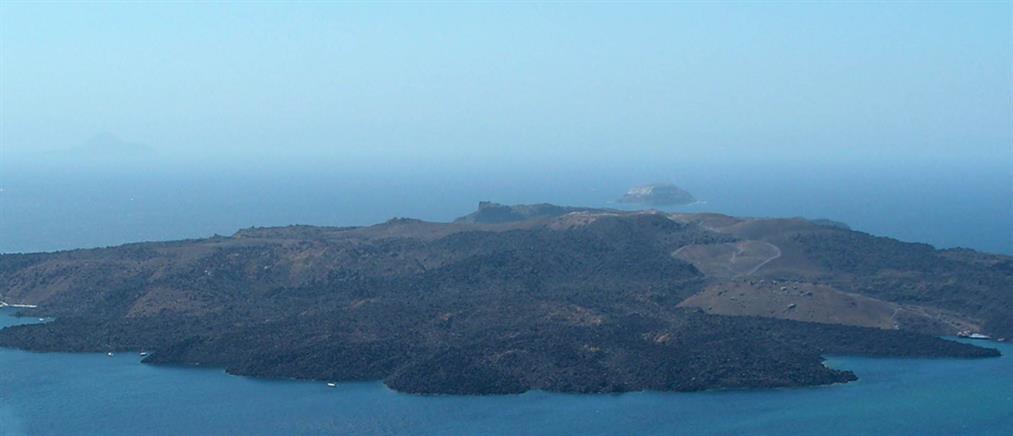 Σαντορίνη: για πρώτη φορά υποθαλάσσιες ερευνητικές γεωτρήσεις στο ηφαίστειο
