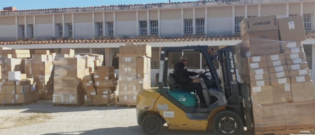 """Δωρεά υλικών 8 τόνων στο Νοσοκομείο """"Ευαγγελισμός"""" (εικόνες)"""
