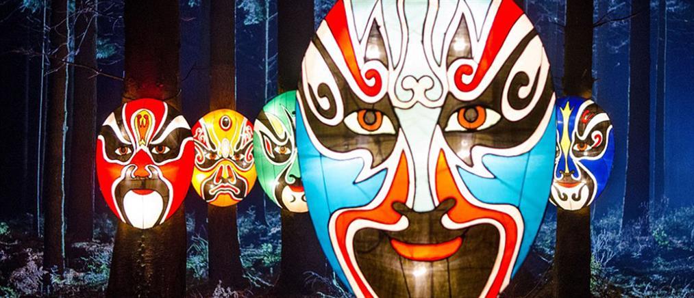 Πανδαισία χρωμάτων και φωτός σε κινεζικό φεστιβάλ στην Αγγλία