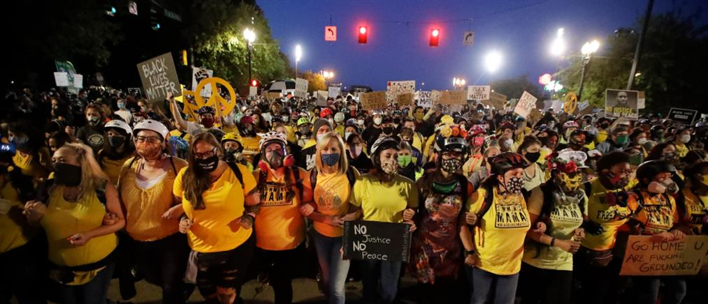 Black Lives Matter: Συνεχίζονται οι διαδηλώσεις στο Πόρτλαντ (εικόνες)