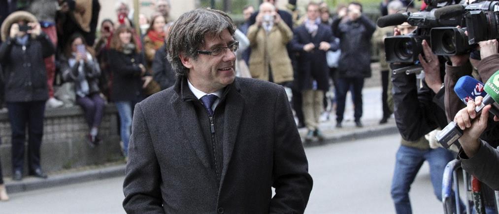 Την βοήθεια του προέδρου της Βουλής της Καταλονία ζήτησε ο Πουτζντεμόν για να ορκιστεί