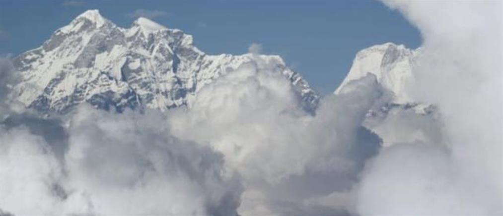Ιμαλάια: φόβοι για εκατόμβη νεκρών μετά την κατάρρευση παγετώνα