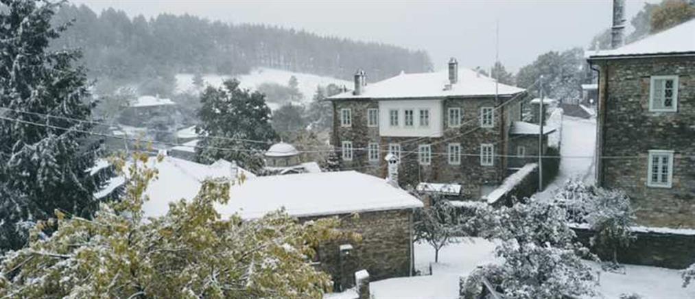 """Κακοκαιρία """"Μπάλλος"""" - Φλώρινα: Χιόνισε στο Νυμφαίο (εικόνες)"""