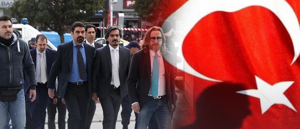 """Συνδρομή της Interpol για την έκδοση των """"8"""" ζητά η Τουρκία"""
