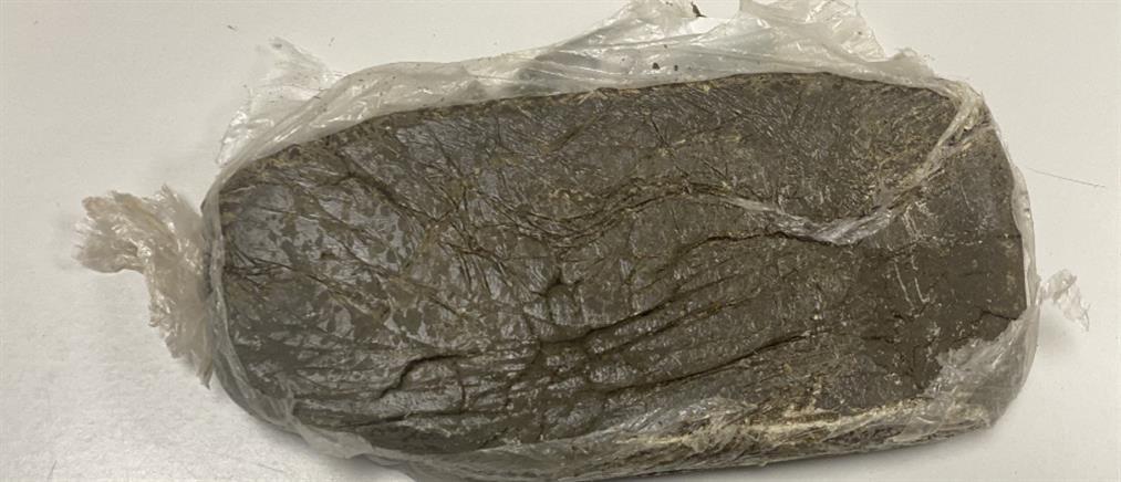 Μάλγαρα: 4 κιλά ηρωίνη έκρυβε στα ρούχα της (εικόνες)
