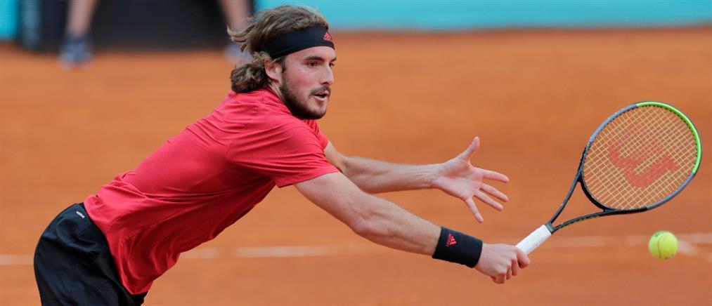 """Τσιτσιπάς: Στους """"16"""" του Italian Open"""