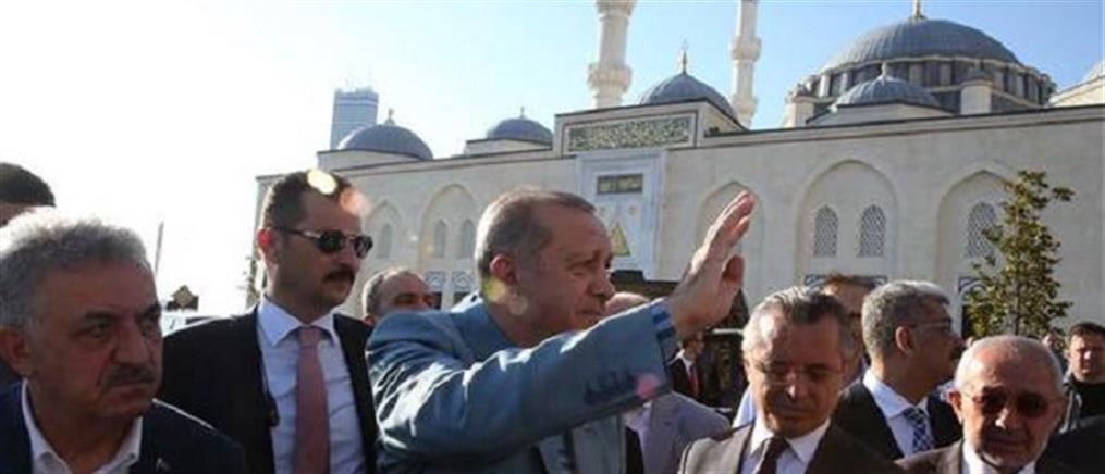 Τζαμιά αντί σχολείων χτίζει στα Κατεχόμενα ο Ερντογάν