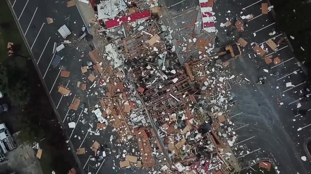 Fast food ισοπεδώθηκε από έκρηξη