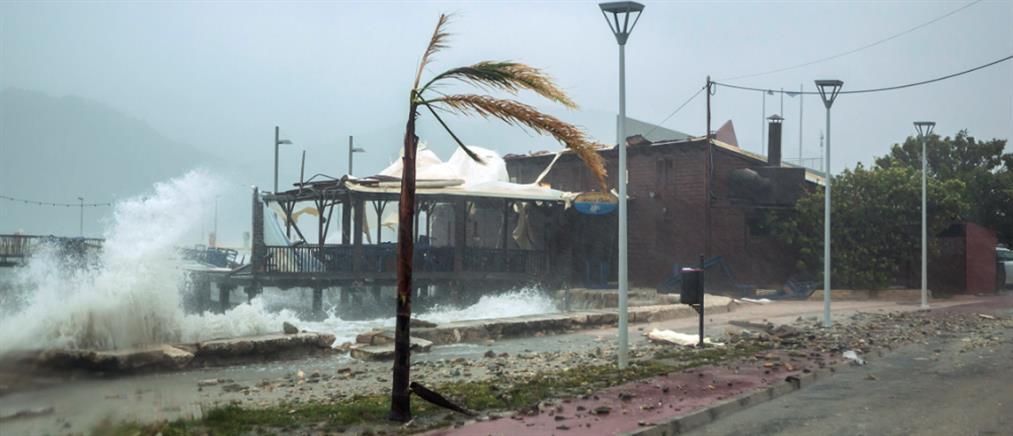 """""""Ιανός"""": πλημμύρες και απόγνωση στην Κορινθία"""