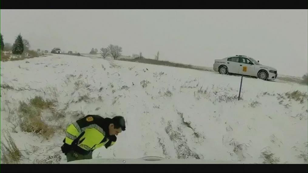 Φορτηγό έπεσε πάνω σε..περιπολία