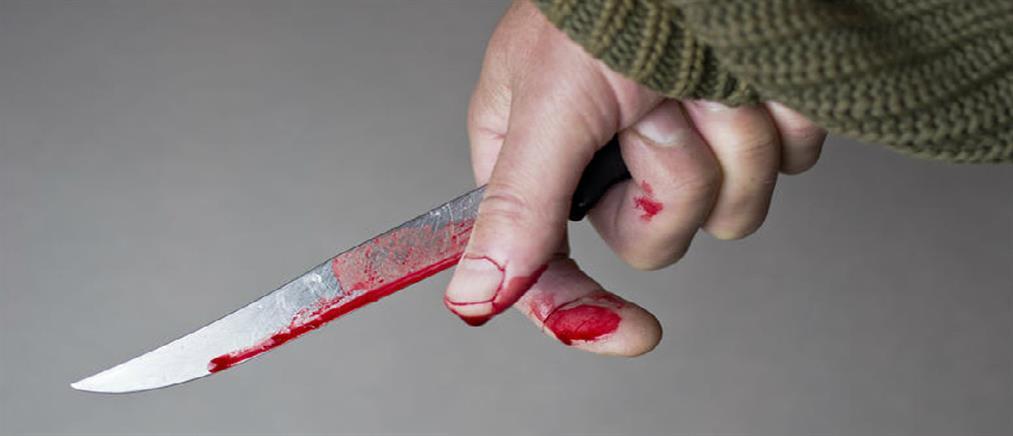 Σοκ: Πελάτης μπαρ μαχαίρωσε στο μάτι υπάλληλο γιατί του ζήτησε να φορέσει μάσκα