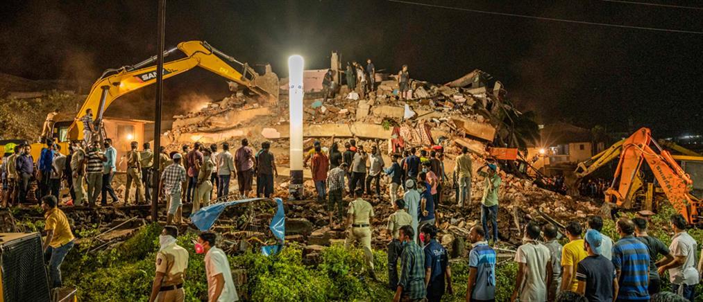 Ινδία: κατάρρευση πολυκατοικίας – Δεκάδες εγκλωβισμένοι (εικόνες)