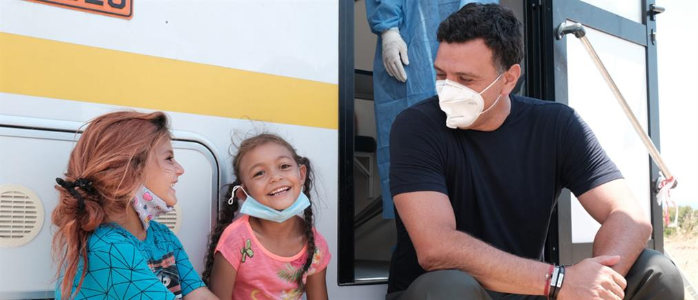 Κορονοϊός - Κικίλιας: Έκκληση στους Ρομά να εμβολιαστούν