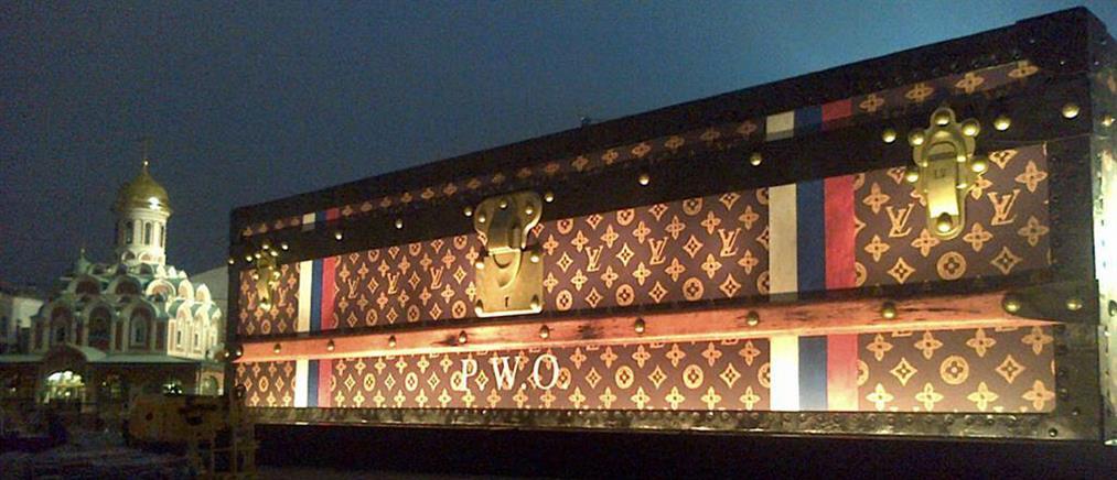 Άναψε φωτιές στη Ρωσία η Louis Vuitton