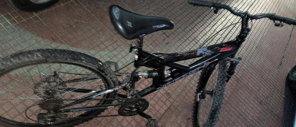 Συνελήφθη την ώρα που χτυπούσε γυναίκα για να της κλέψει το ποδήλατο (εικόνες)