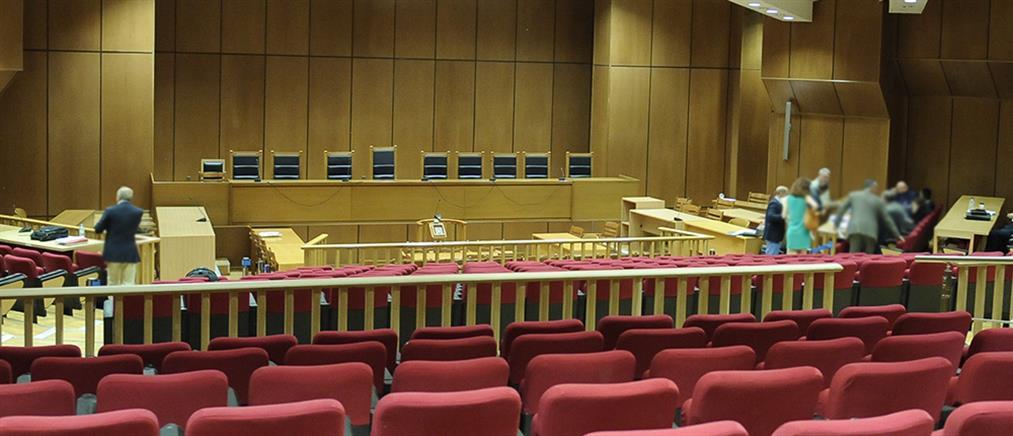 Πρόταση εισαγγελέα να παραπεμφθούν ξανά σε δίκη Σμπώκος και Κάντας