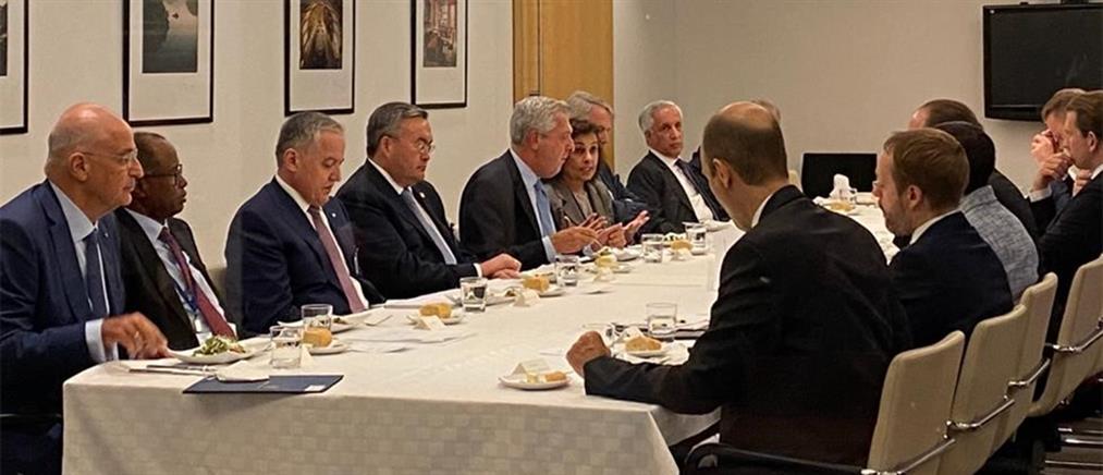 Δένδιας: Πρώτη συμμετοχή σε υπουργική διάσκεψη για τη Λιβύη