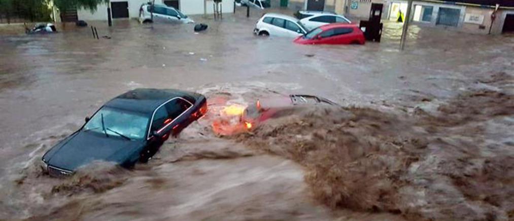 """""""Πνίγηκε"""" από τη βροχή η Μαγιόρκα (βίντεο)"""