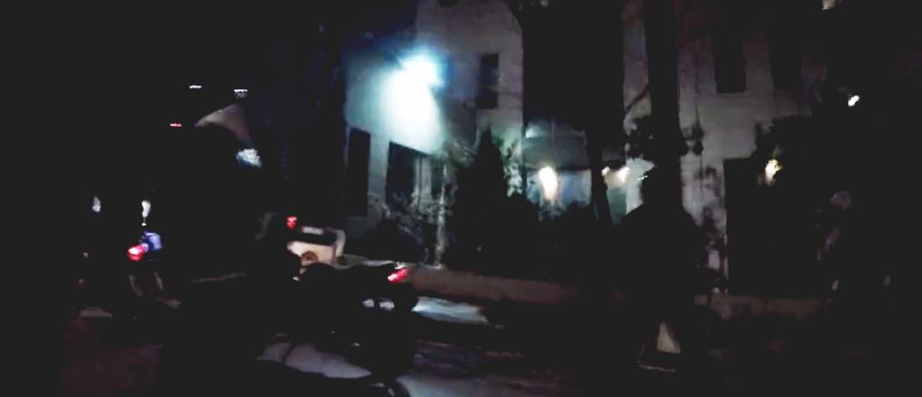Ο Ρουβίκωνας πίσω από την επίθεση με μπογιές σε Υπουργείο (βίντεο)