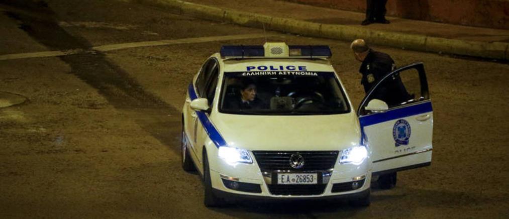 Απόδραση κρατουμένων μέσα από περιπολικό στο κέντρο της Αθήνας