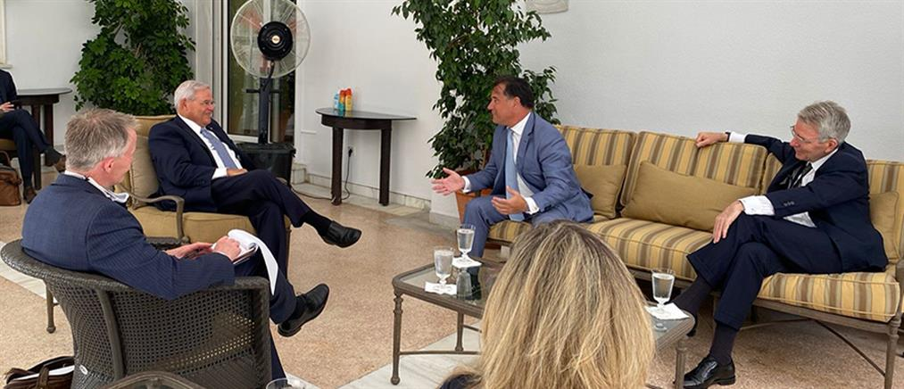 Γεωργιάδης - Μενέντεζ: συνάντηση για τις αμερικανικές επενδύσεις στην Ελλάδα