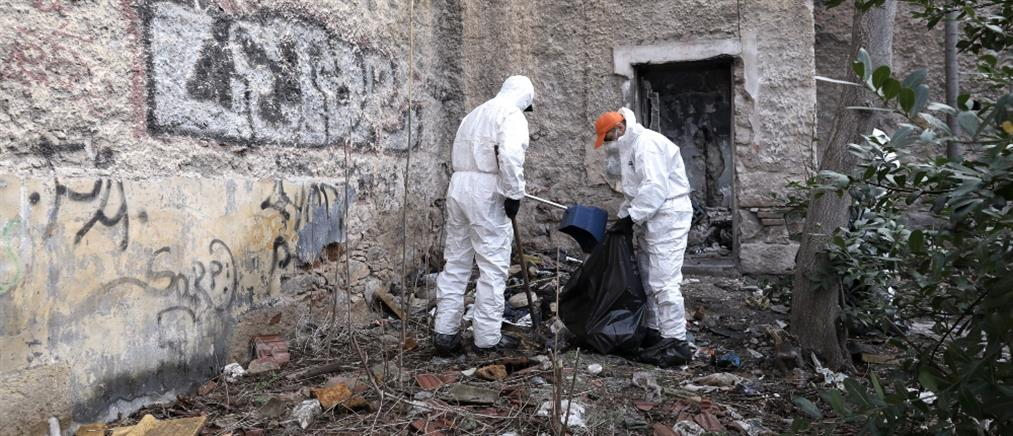 """Εργοστάσιο """"Βότρυς"""": Επιχείρηση εκκένωσης στο υπό κατάληψη κτήριο (εικόνες)"""