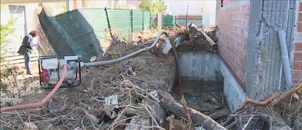 Κινέτα: Αποζημιώσεις και αντιπλημμυρικά έργα ζητούν οι πληγέντες από τη θεομηνία (βίντεο)