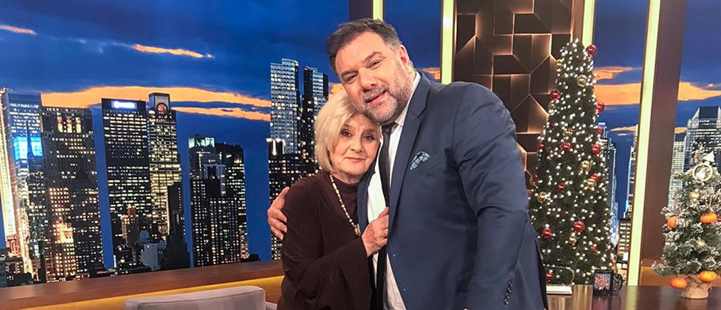 """Η Πηνελόπη Πιτσούλη στο """"The 2night Show"""" για τον επί 56 χρόνια σύζυγό της"""