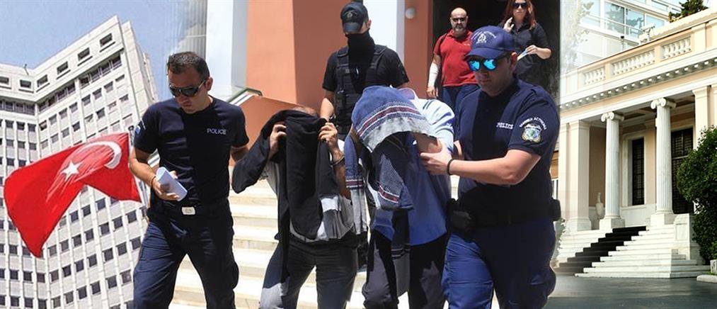 """Αποκαλύψεις Αποστολάκη για το πραξικόπημα στην Τουρκία και τους """"8"""" αξιωματικούς"""