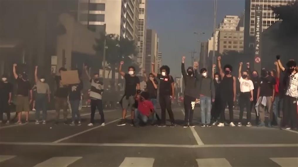 Διαδηλώσεις υπέρ και κατά του Μπολσονάρο στη Βραζιλία