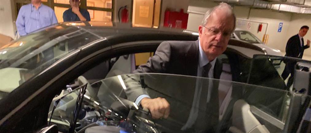 Ηλεκτροκίνητα αυτοκίνητα για τους βουλευτές (εικόνες)