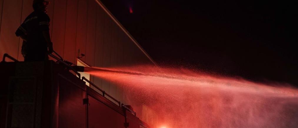 Μενίδι: φωτιά σε εργοστάσιο