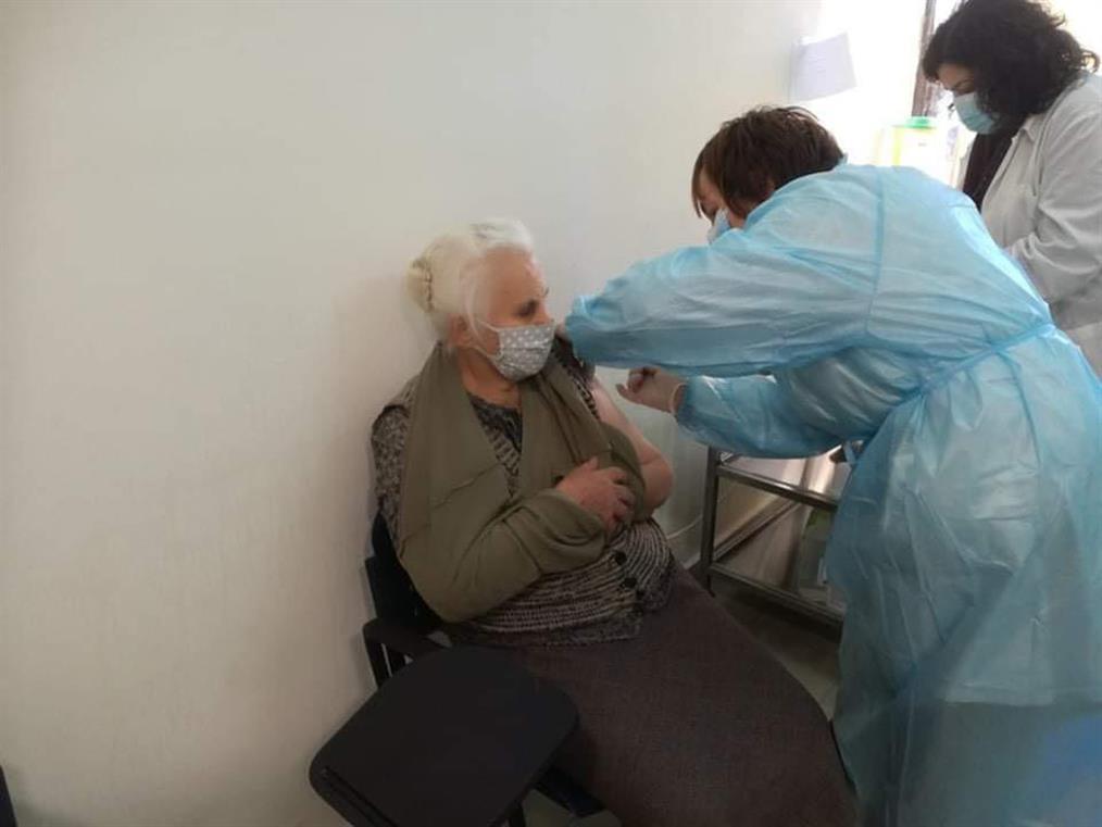 εμβολιασμός - ηλικιωμένοι - gallery