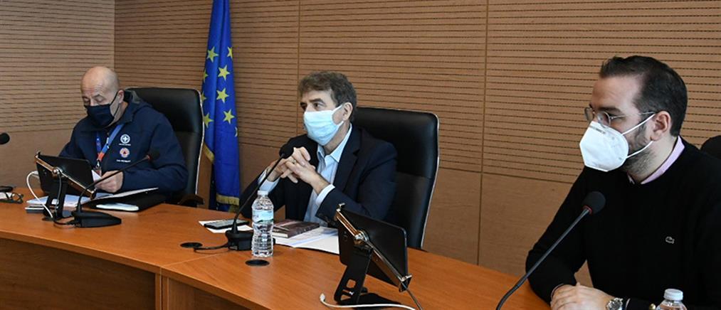 """Χρυσοχοΐδης από Πάτρα: αυστηροί έλεγχοι για τα """"ορθάδικα"""" μπαρ και καφετέριες"""