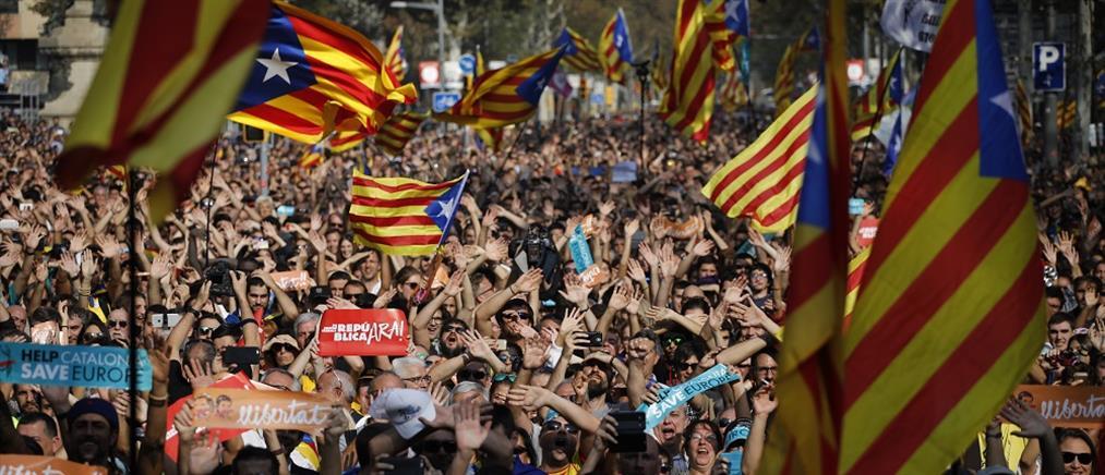 Δημοψήφισμα υποσχέθηκε στην Καταλονία ο Σάντσεθ