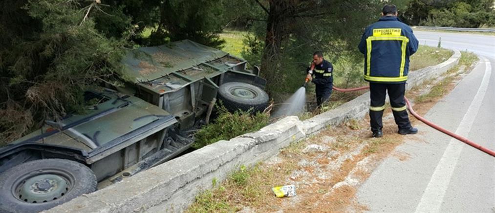 Ανετράπη στρατιωτικό όχημα στη Ρόδο (φωτο + βίντεο)