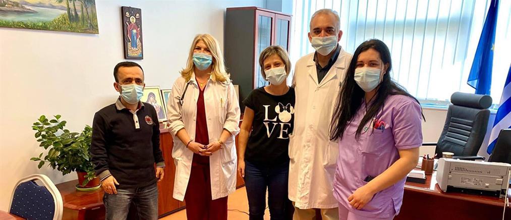 Εξιτήριο για την νοσηλεύτρια που παρέλυσε μετά το εμβόλιο