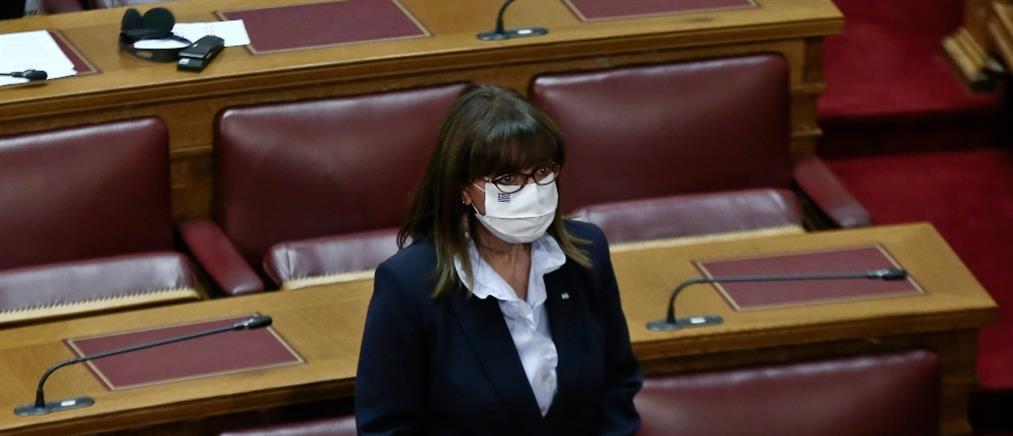 Σακελλαροπούλου: αναγκαίος ο αγώνας ενάντια στους αρνητές του κορονοϊού