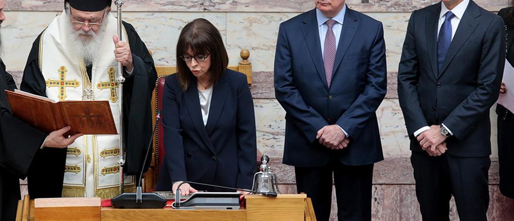 Κατερίνα Σακελλαροπούλου: η ορκωμοσία της πρώτης γυναίκας Προέδρου της Δημοκρατίας (εικόνες)