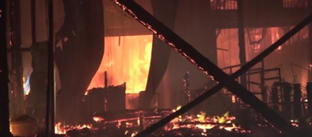 Μύκονος: Μεγάλη φωτιά σε εστιατόριο (βίντεο)